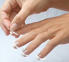 Come fare la manicure french passo dopo passo unghie gel for Come disegnare un piano casa passo dopo passo